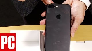 Unboxing the iPhone 7 Plus