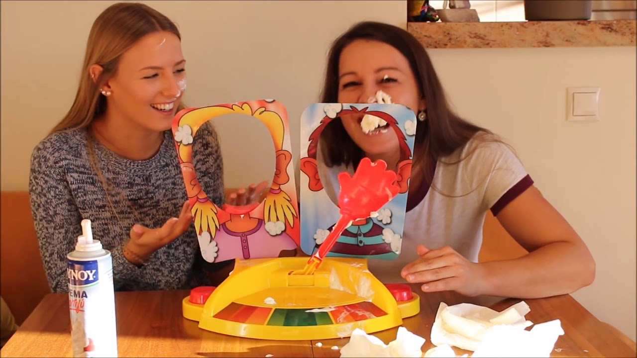 Hasbro Games Greece- Pie Face -Sophie Sof Challenge