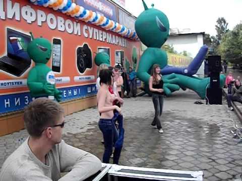 Горячее открытие ДНС в Кирове! Мисс Мокрая Майка!