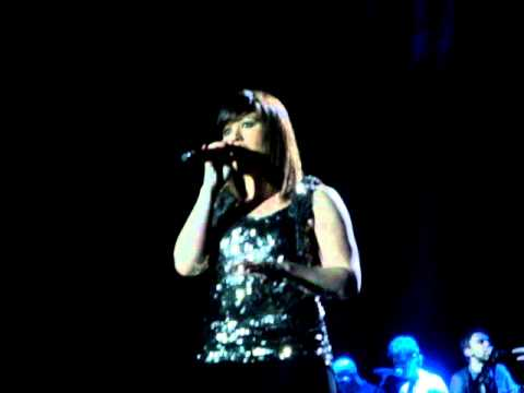Kelly Clarkson - Already Gone - Fantasy Springs Event Center - Indio - 04/07/12 - 12 of 19