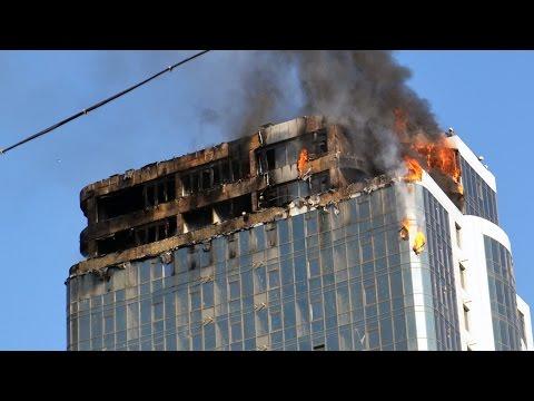 В Одессе возле Аркадии сгорела 24-этажная высотка: есть пострадавшие