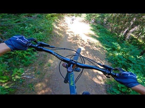 Bike Park riding in Les Gets! (4K)