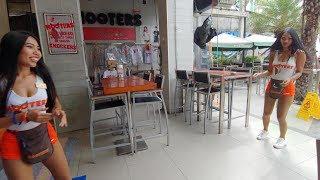 "Hooters ""I Am A Lesbian"" Pattaya (MT) Thailand MMXVIII"
