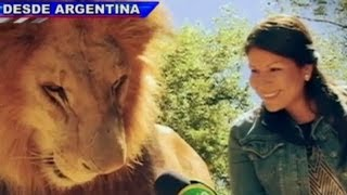 Zoológico de Luján permite que visitantes toquen a las fieras