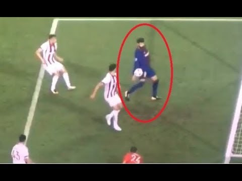 Pique sent off After he scored with His Hand Vs Olympiakos thumbnail