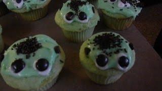 Frankenstein Cupcakes   Auntie&me