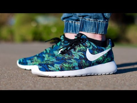 nike roshe floral space blue