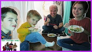 Family Blanket Fort Picnic / That YouTub3 Family