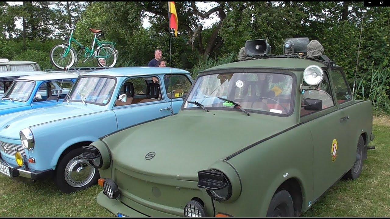 Выставка ретро автомобилей в Германии: форд мустанг, трабант, додж, шевроле и др.