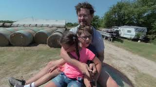 twins visited the farm, long vr video
