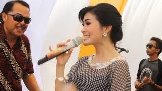 IIS DAHLIA - PAYUNG HITAM [ Live Kerawang OM. MAHASWARA ]