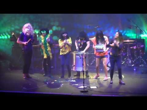 Zazie - Un point c'est toi (crew from Brazil) ; 14 décembre 2013 - Arena (Genève)