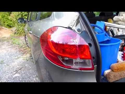 Comment démonter les feux arrière sur Renault Clio 3 Estate