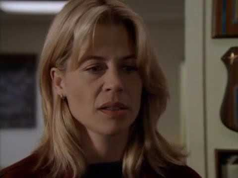 ON THE LINE 1997  Linda Hamilton