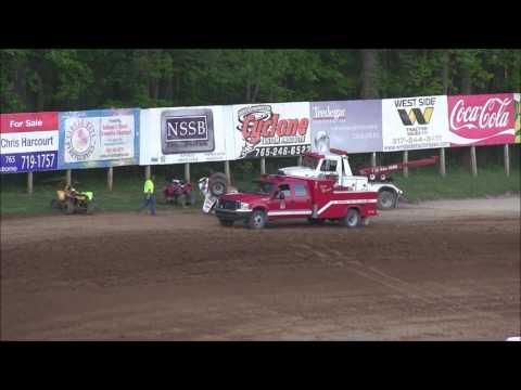 Sprint Car Heat Race at Lincoln Park Speedway 5 13 17