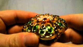 DealExtreme - Deluxe Petal Style Jewelry Box - Green + Gold.avi