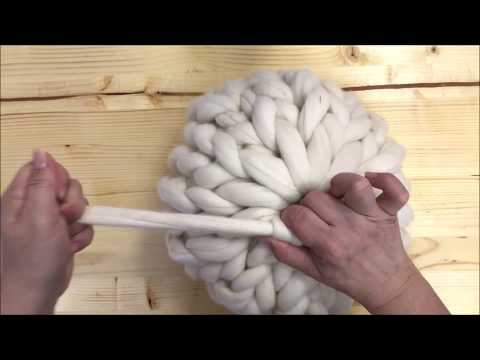 HAND KNIT A ROUND PILLOW WITH FELTED MERINO WOOL