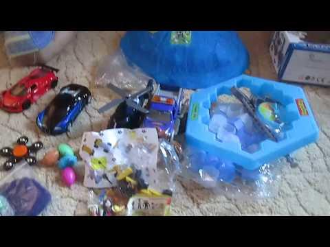 Тобот, машина трансформер, киндер сюрприз, лего, орбизы и другие игрушки в большой капсуле