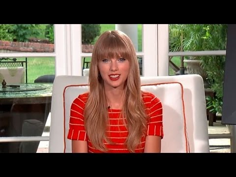 Taylor Swift Reveals New Red Album Details During  Web-Chat!