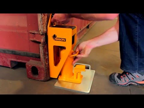 How To Weigh Containers On The Ground With BISON C-Jacks