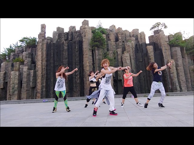 They dont care about us/Michael Jackson (salsa version) Zumba Korea TV