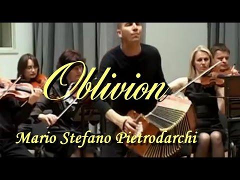 Oblivion (Piazzolla) - Mario Stefano Pietrodarchi Bandoneon, Minsk Chamber Orchestra
