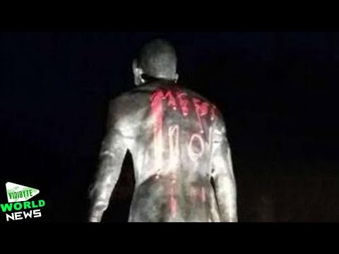 Cristiano Ronaldo Statue Vandalised After Messi Wins 2015 Ballon D'Or