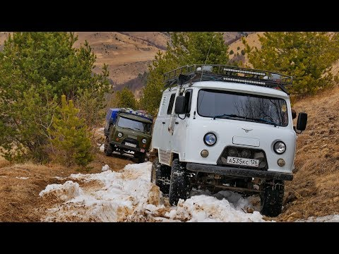 What scared UAZ Loaf with the automatic transmission, the engine of 3.4 liters on 33's wheels?