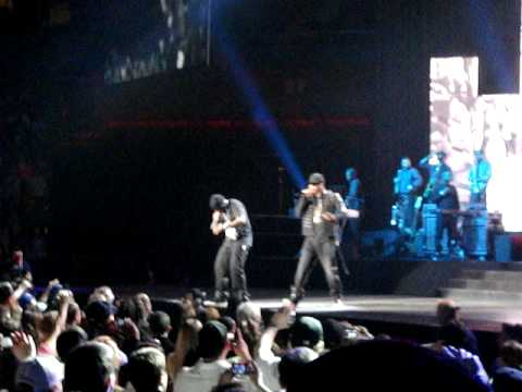Young jeezy and jay z at mohegan sun singing my president blueprint young jeezy and jay z at mohegan sun singing my president blueprint 3 tour malvernweather Choice Image