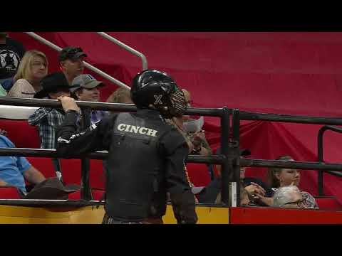 Cody Teel rides Big Show for 86 points
