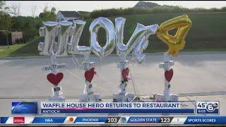 Waffle House shooting hero James Shaw Jr returns to restaurant
