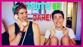 Repeat youtube video HOTEL TRUTH OR DARE! (With Pointlessblog)