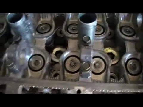 Cleaning A Cylinder Head With Oven Cleaner