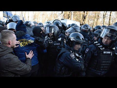 В. Мальцев. «Тракторный марш» и драка с полицией под Радой. Националисты объединились с фермерами