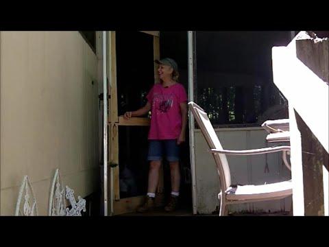 Pallet Wood Screen Door - YouTube