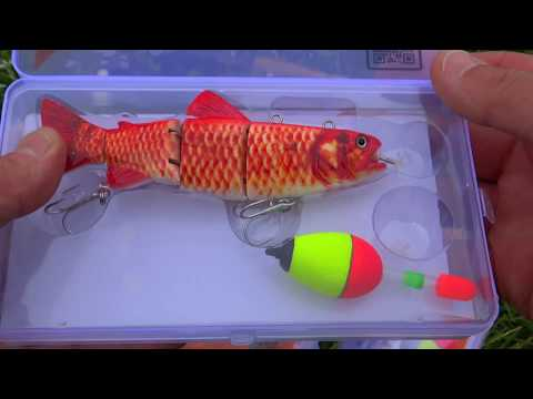 FISH EAT ROBOT! Pike Fishing Wt Lure. Pez Se Comen Un Robot. Fische Fressen Einen Roboter.