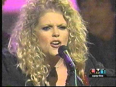 Dixie Chicks Long Time Gone & Landslide CMT Opry Live 2002