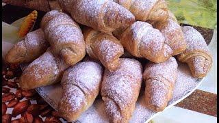 Вкусные слоеные рогалики с повидлом(Delicious puff bagels with jam)Круассаны(Сroissant)(Вкусные слоеные рогалики с повидлом(Delicious puff bagels with jam)Круассаны(Сroissant) В этом видео я вам подробно расскажу..., 2016-02-03T17:47:40.000Z)