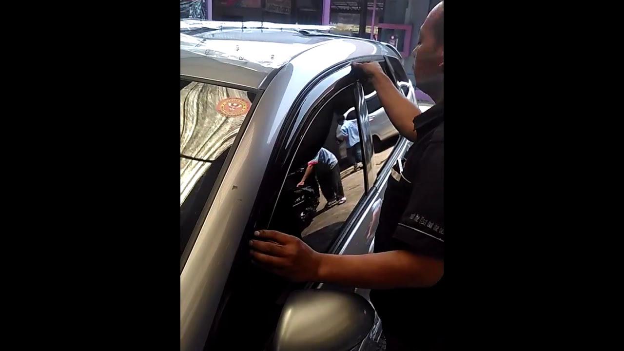 cara memasang talang air mobil honda jazz YouTube