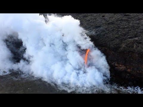 Laze: As lava reaches ocean, it sends acid lava haze into air