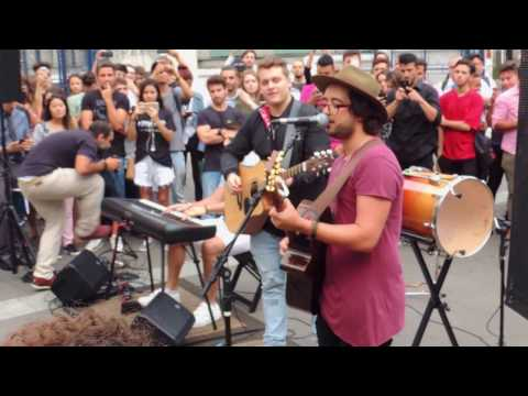 Hear me Now - Alok & Bruno Martini Feat Zeeba ao vivo na Av Paulista