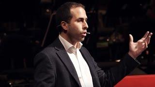 ChangeMaker: Tutti possono essere attori del cambiamento | Alessandro Valera | TEDxBologna