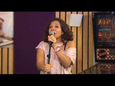Nurlaila Karim - I don't know (live bij Debby en haar Mannen)