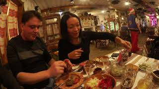 Иностранцы пробуют Русскую еду Кто сказал,что сало это некашерно?