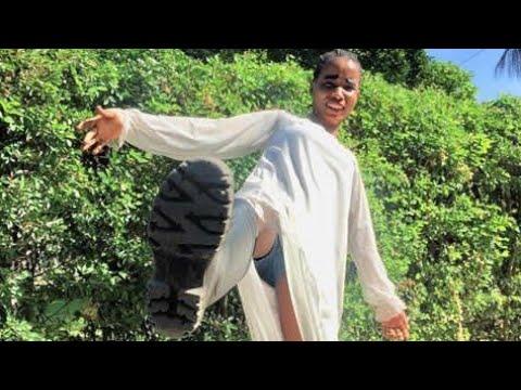 Download EBITOKE AONYESHA (mambo yoote hadharani:) angalia anachokifanya hapa