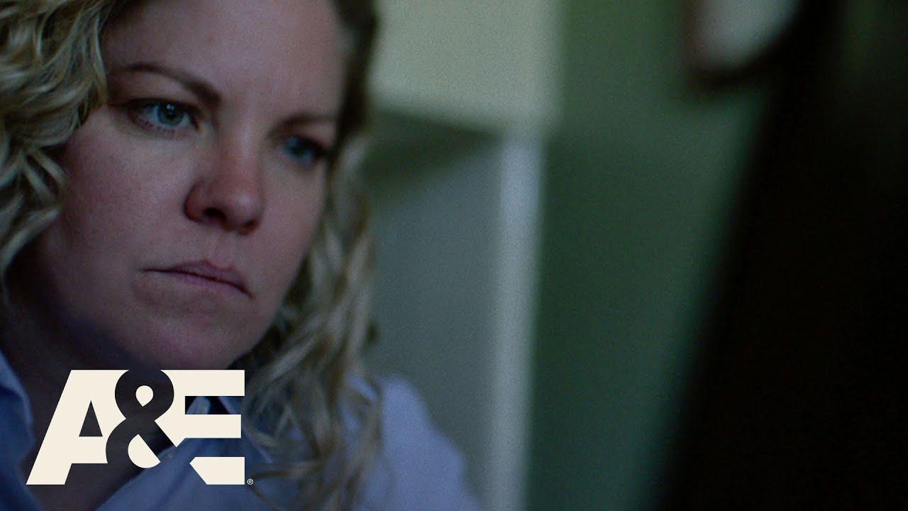 Cold Case Files: Social Media Manhunt (Season 1, Episode 7)   A&E