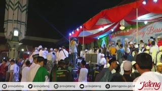 Video Live - Santri Siap Menjaga NKRI | Habib Syech & @ganjarpranowo  #JatengBersholawat #JatengGayeng download MP3, 3GP, MP4, WEBM, AVI, FLV Oktober 2018