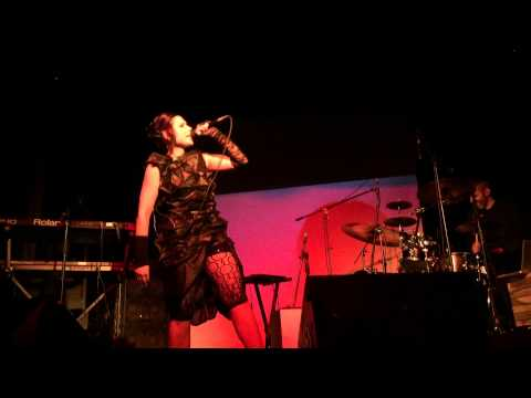 Nobody Knows - Elsiane live Bajo Circuito Mexico City
