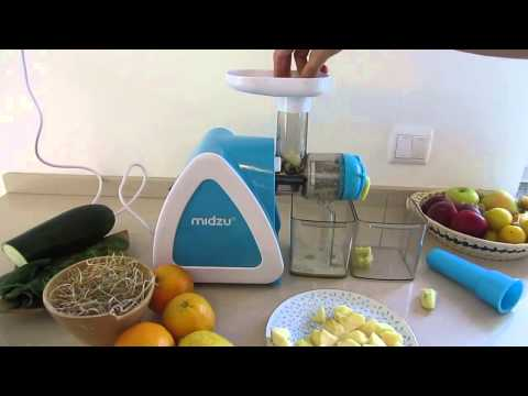 Midzu slow juicer - making apple juice