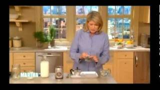 Martha Stewart Demos the Bialetti Moka